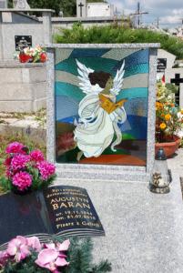 Barwy-szkla-2011-Witraz-na-cmentarzu-2