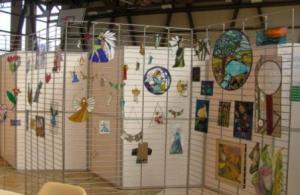 Barwy-szkla-2011-Wystawa-witrazy-w-kinie