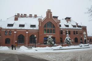 Barwy-szkla-2012-Dworzec-kolejowy