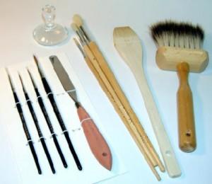 Pędzle i narzędzia do nanoszenia i formowania malatury