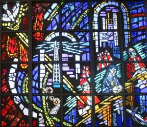 Witraż Kościół we współczesnym świecie Mauzoleum Zmartwychwstania na cmentarzu w Justice (Illinois)