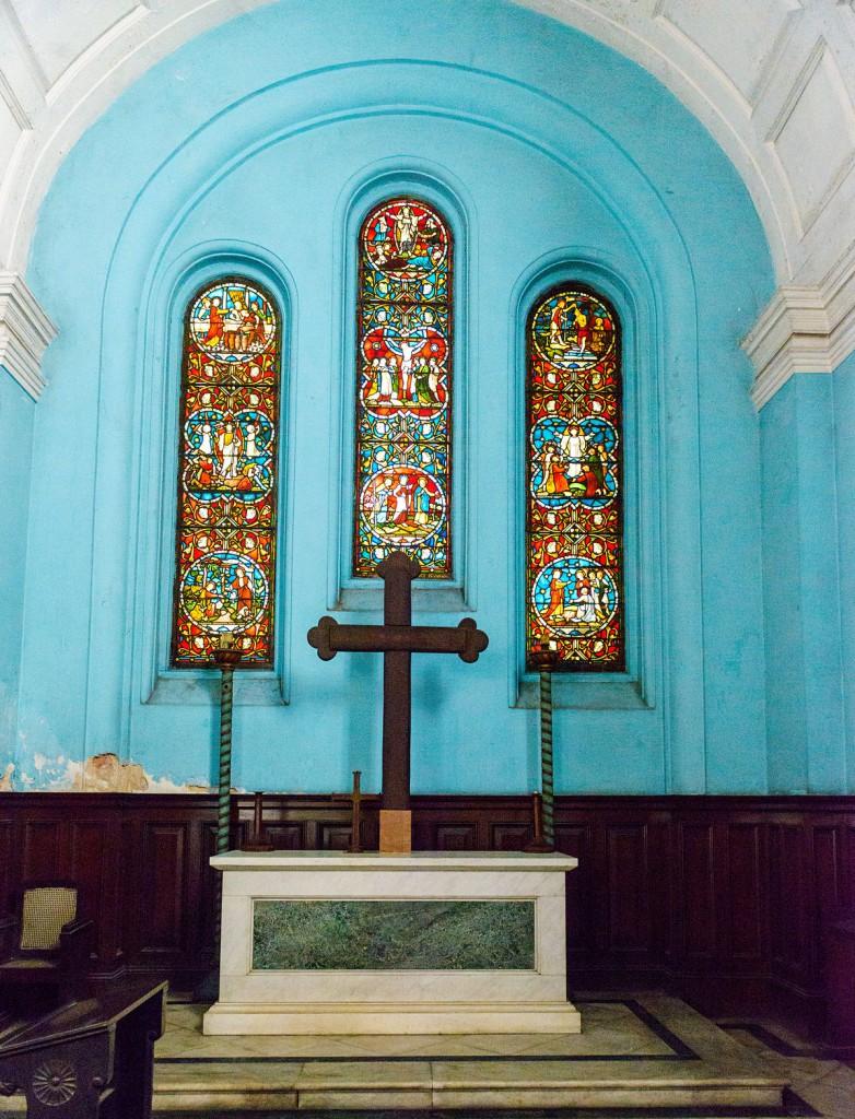 Witraże w prezbiterium kościół pw. św. Jana w Kalkucie