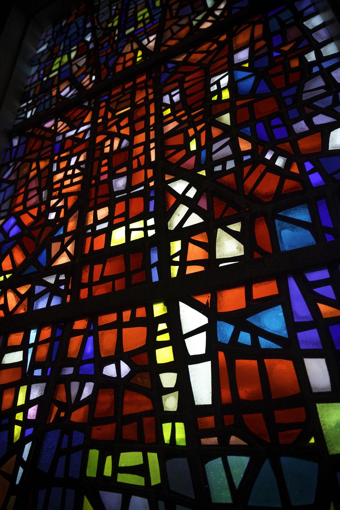 Witraż katedra w Skalholt - prawo autorskie dendron /123RF zdjęcie seryjne.jpg