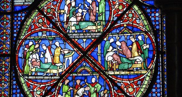 Europejskie witraże średniowieczne – historia zaklęta w szkle.