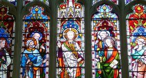 Nowe pokolenia chcą kościołów tradycyjnych z witrażami
