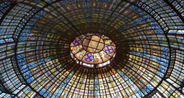 Szklana kopuła Printemps w Paryżu
