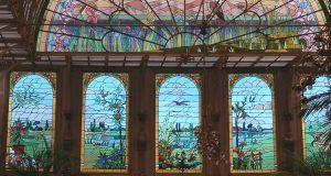 Wiecznie kwitnący szklany Ogród Zimowy
